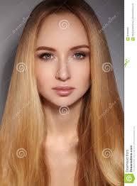 Langes Haar Der Mode Schönes Blondes Mädchen Gesunde Gerade