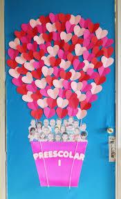 Valentine Door Decoration Ideas Valentines Day Classroom Door Osztly Dekorci Pinterest