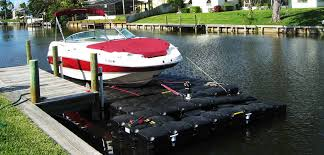 floating boat lift for watercrafts