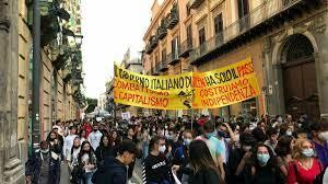 Sciopero per il clima, la protesta degli studenti per immagini