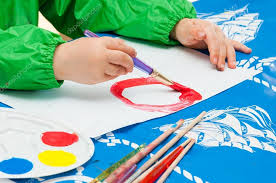 pincel pintando.