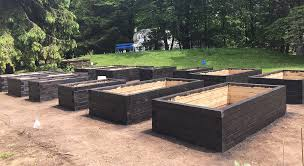 raised bed garden construction part 3 staining and sealing