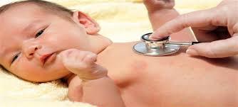 """الدليل الكامل لأسباب وعلاج مرض الصفرة أو """"يرقان الأطفال حديثي الولادة"""" -  الجمال.نت"""