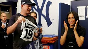 red sox yankees gift jerseys to prince harry meghan for baby archie before ny s win in london