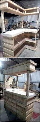 Now here is an idea for a huge wood pallet bar, it can be copied