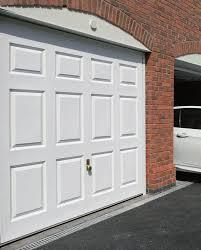 Series 2000 Garage Doors