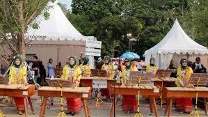 Kolintang adalah salah satu alat musik tradisional masyarakat minahasa di sulawesi utara. Kolintang Alat Musik Unik Dari Minahasa Di Sulawesi Utara
