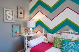 View In Gallery Multi Colored Chevron Stripes Make A Stunning Accent Wall  In The Kidsu0027 Bedroom [