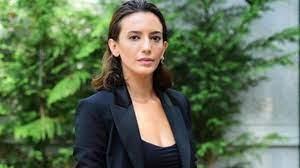 Ünlü oyuncu Nihal Yalçın'dan bomba itiraf: Sanal cinsel ilişki yapmaya çok  özeniyorum - Haberler Magazin