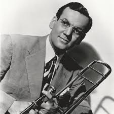 The Glenn Miller Orchestra plays In The Mood (1939) - Occasional Glimpses  of the Sublime