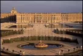 une vue de la faaade ouest. Vue Générale De La Façade Ouest Du Château Versailles Et Ses Jardins à Une Faaade A