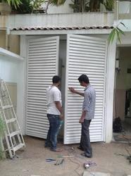 Decorativelouveredcompositeextrarailblackapplied1jpgAluminum Louvered Exterior Doors