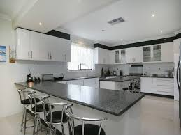 back to article l shaped italian kitchen design