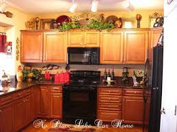 Christmas Decorations For Kitchen How To Decorate Above Kitchen Cabinets For Christmas Flamen Kitchen