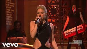 Shakira - She Wolf (Live - Saturday Night Live 2009) - YouTube