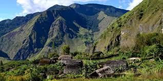 Guide to Travel Papua New Guinea Cheap - Uncharted Backpacker