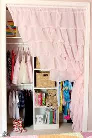 24 UHeart Organizing: A Pretty In Pink Closet