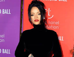 Rihanna's <b>2019 Diamond</b> Ball: See All the Stars Arrive | E! News