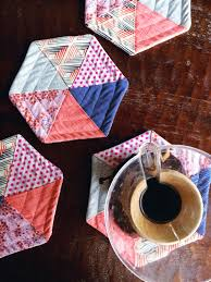 enJOY it by Elise Blaha Cripe: quilted hexagon potholders. & quilted hexagon potholders tutorial Adamdwight.com