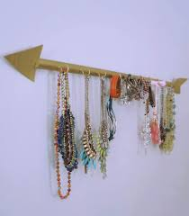 Diy Necklace Holder Diy Arrow Necklace Holder Que Sarah Sera