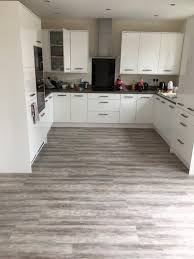 floor mannington laminate flooring reviews mohawk flooring best laminate flooring for kitchen mohawk area rugs