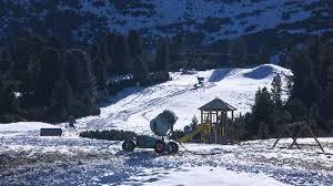 Lavazè. Lo sci di fondo lancia la sfida alla discesa (con impianti chiusi)  - Turismo - TGR Trento