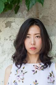 韓国ヘアスタイル女性らしくフェミニンはデジタルパーマヘアスタイル