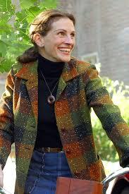 best mona lisa smile ideas mona lisa lisa s  julia roberts as katherine ann watson in mona lisa smile 2003