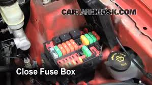 replace a fuse 1994 2004 ford mustang 1999 ford mustang gt 4 6l 6 replace cover secure the cover and test component