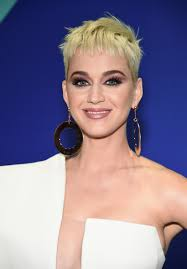 katy perry s hair and makeup for the vmas is extremely