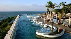 Super infinity pool with jacuzzi Picture of Royal Cliff Grand