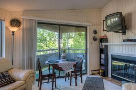 Image Pine Upper Level Aspen Leaf Condo Unit 46 Has Spectacular Views And Great Parking This Condo Has Brand New Floorings And Fresh White Paint Throughout Tlc Real Estate Services Search Tlc Real Estate Inc
