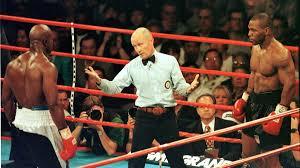 Holyfield turns 59 on oct. Kein Tag Wie Jeder Andere Mike Tyson Beisst Evander Holyfield Eurosport