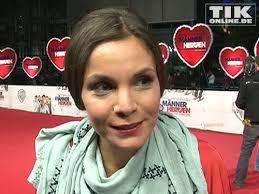 <b>Nadine Warmuth</b> im Interview auf dem roten Teppich - 1-nadine-warmuth-01