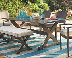 Outdoor Dining Tables for Your Patio