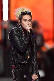 392 best Miley Cyrus images on Pinterest | Miley cyrus, Hannah ...