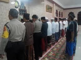 Membaca doa qunut hukumnya adalah sunnah yaitu boleh dibaca dan. Office Koranminiblog Cikarang Utara Kab Bks