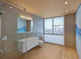 Im bad ist man oft barfuß unterwegs. Holzboden Im Badezimmer Mafi