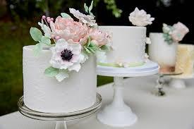 Small Wonders Small Wedding Cakes Make A Big Impact Minnesota Bride