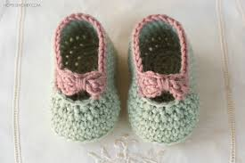 Free Crochet Patterns For Newborns Cool Perfect gift for small feet baby booties crochet pattern
