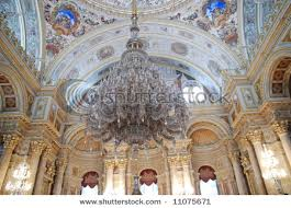 dolmabahce palace chandelier istanbul turkey