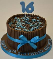 16th Birthday Cakes With Lovable Accent