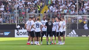Hansa rostock have a goal kick. 2 Bundesliga Werder Bremen Gegen Hansa Rostock Live Im Tv Berliner Morgenpost