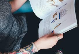 Free Fotobanka Psaní Ruka Rezervovat čtení Prst Tetování