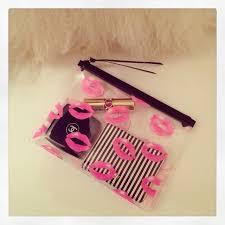 h m clear lip bag perfect as a makeup bag or a cute clutch