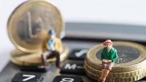 Συντάξεις χηρείας: Πληρώνονται σήμερα αυξήσεις και αναδρομικά - Τι πρέπει  να γνωρίζουν οι δικαιούχοι