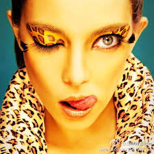 leopard print is one of the top dramatic makeup looks that is wicked por and so chic whether you put a splash of this look along your eyes or you go