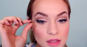 how to apply false eyelashes perfectly lash guide by makeup tutorial at makeuptutorials