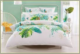 image of tropical quilt king size