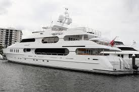 Perfect Tiger Woodsu0027 Privacy Luxury Yacht (3)